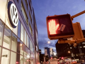Amerikanisches-VW-Autohaus-in-New-York_image_width_884