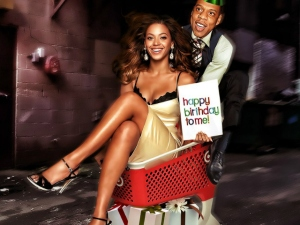 Beyonce-Being-Pushed-in-a-Shopping-Cart--90326