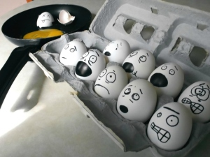 Funny-Eggs-Graphics-24